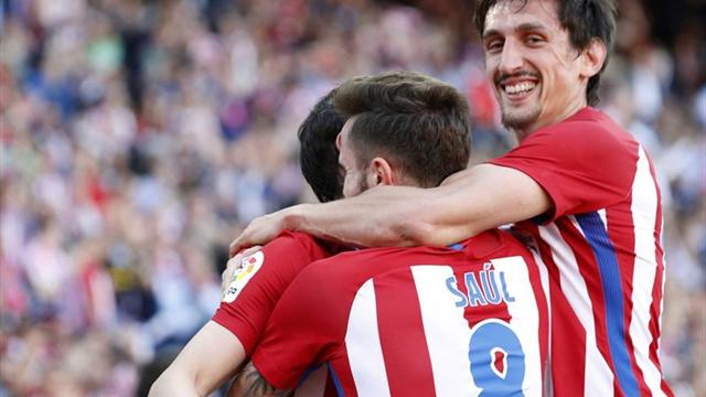 Un gol de Godín pone por delante al Atlético al descanso (1-0)