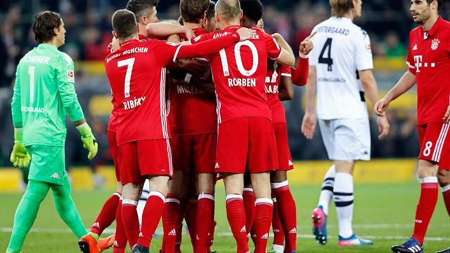 Müller le da una apretada victoria al Bayern que aumenta su ventaja