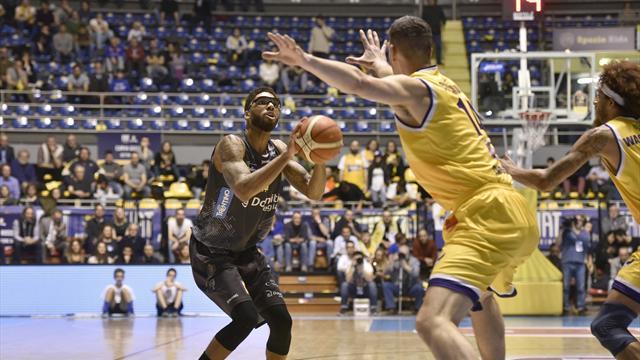 Johnson e Aradori i protagonisti di giornata: Varese è quasi salva, Reggio rincorre i playoff