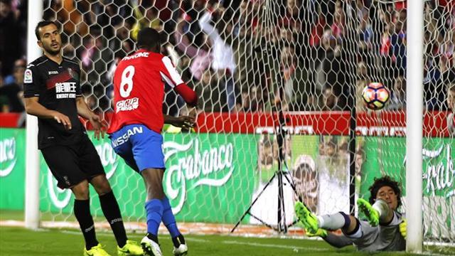 3-1. El Sporting remonta al Granada para seguir peleando por la permanencia