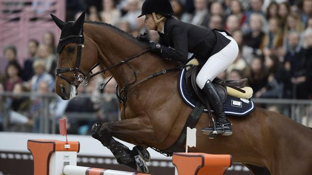Edwina Tops-Alexander prive Pénélope Leprevost d'une victoire au Grand Palais