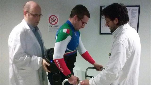 Ex promessa del biathlon è tornato a camminare grazie a tecnologia e solidarietà