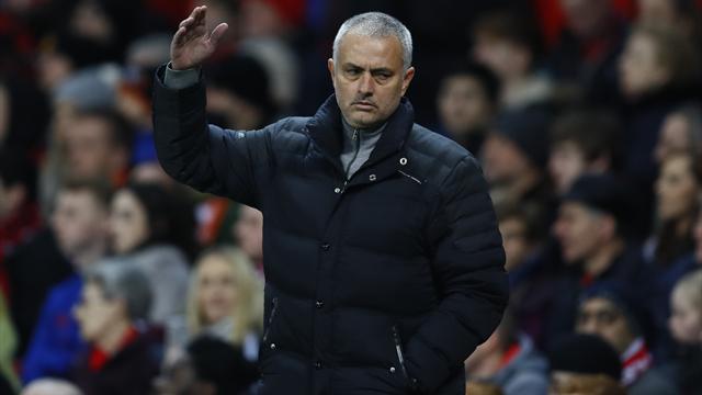 """Mourinho : """"Même en Angleterre, tout est en train de foutre le camp"""""""