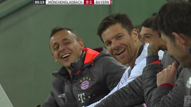 Se Bayern-stjernene gapskratte av sinte Robben