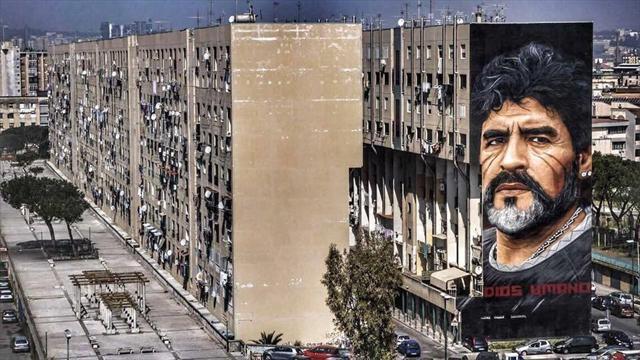 Maradona ringrazia per il murales