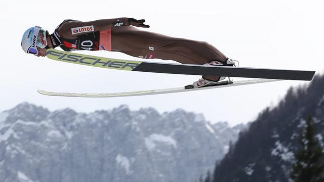 Schanzenrekord! Stoch fliegt auf 251,5 Meter