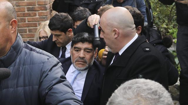 Марадона подал вотставку сдолжности вФИФА