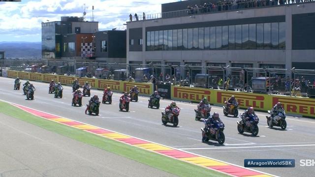 Superbike, Carrera 2: Davies triunfa en Aragón y rompe la racha de Rea