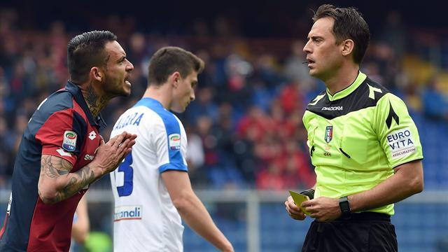 Genoa, Pinilla fermato per cinque turni per l'espulsione in casa contro l'Atalanta