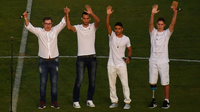 Chapecoense, favola Ruschel: uno dei sopravvissuti torna in campo contro il Barcellona