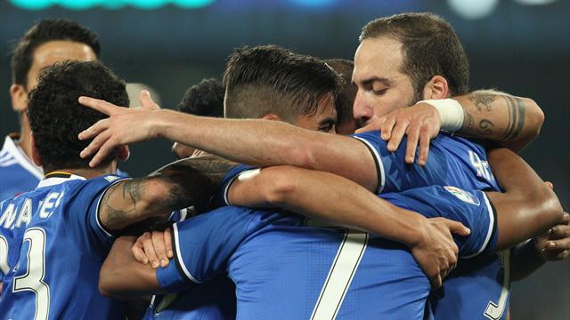 Higuain brace takes Juve to final despite Napoli defeat