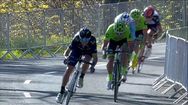 Лидер гонки вдруг упал на последнем километре, Вальверде взял этап