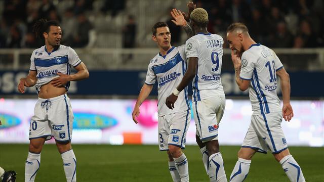 Auxerre sort de la zone rouge, Brest cale devant Tours