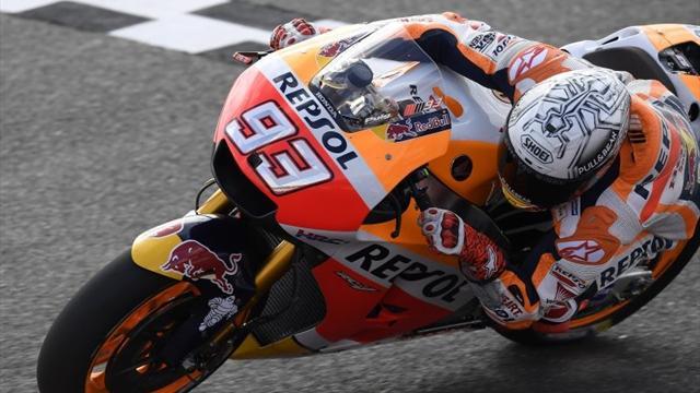 Super Marquez domina sul bagnato! Secondo Abraham, Rossi solo settimo