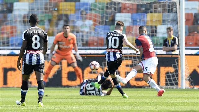 Lapadula ko al ginocchio in Udinese-Genoa: rischia 45 giorni di stop