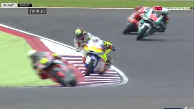 Moto2: Kontrolle weg! Simeon verdreht's den Lenker