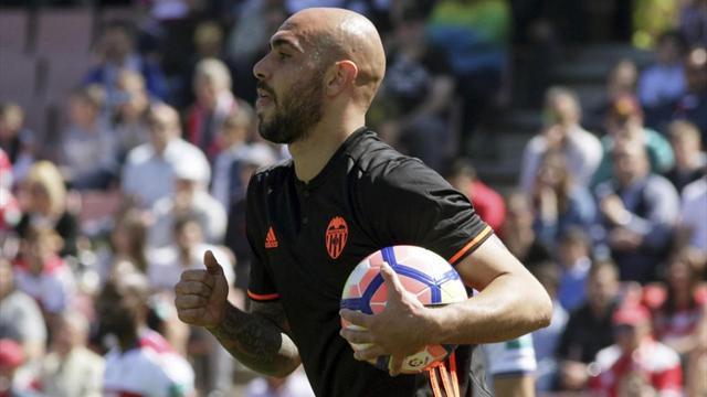 Valencia, UFFICIALE: problema al ginocchio per Zaza, esce in stampelle