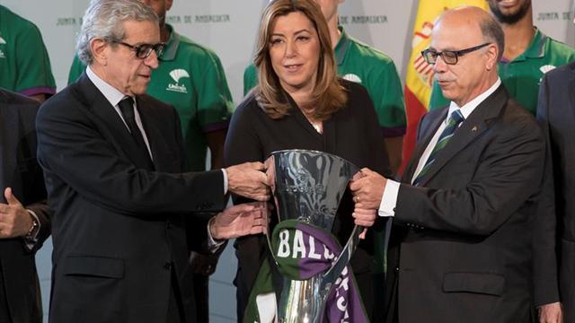 Susana Díaz recibió a la plantilla del Unicaja tras conquistar la Eurocopa