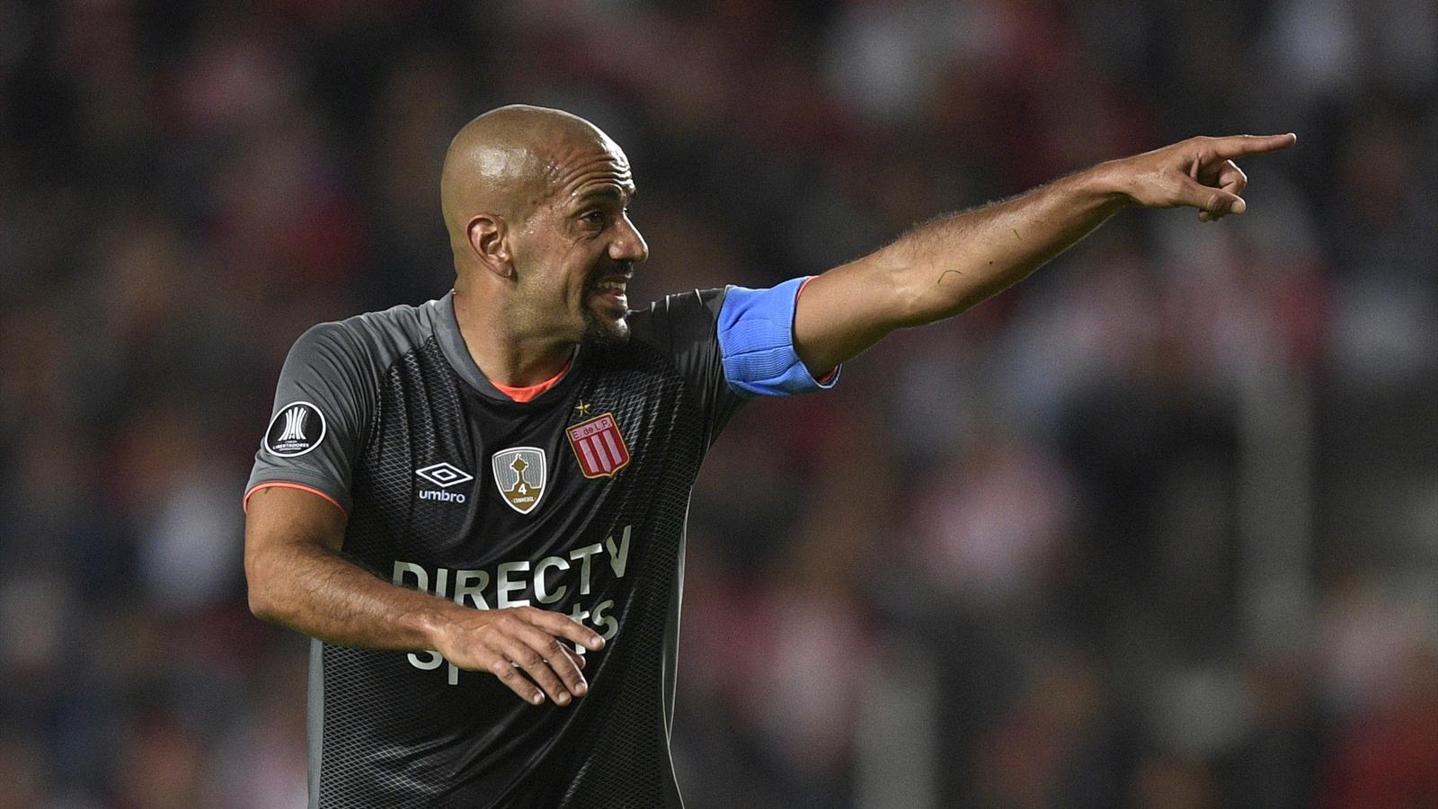 Хуан Себастьян Верон вернется в футбол в январе
