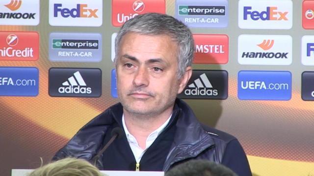 """Mourinho : """"Si j'étais un défenseur de United, je serais très fâché contre mes attaquants"""""""