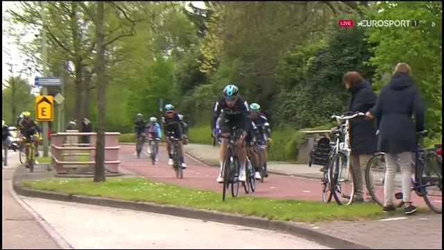 Team Sky bunny-hop over kerb in Amstel Gold Race