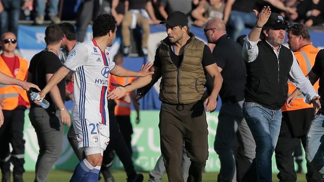 «Lamentable», «SCANDALEUX» : les joueurs de l'OL (et Casillas) condamnent les incidents