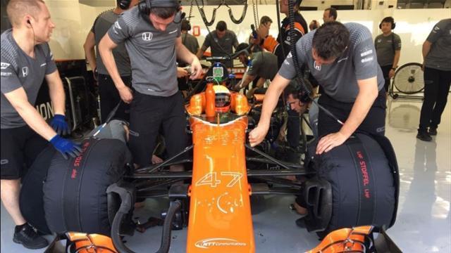 Nuevo esperpento de McLaren-Honda, ahora en los test de Bahrein