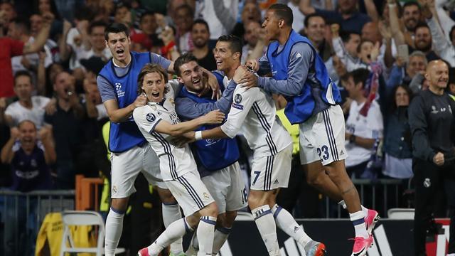 Ronaldo hits hat-trick as Real Madrid down 10-man Bayern
