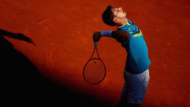 Djokovic continua a soffrire, ma elimina anche Carreño Busta