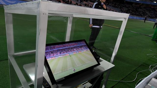 Italien und Niederlande führen Videoschiedsrichter ein