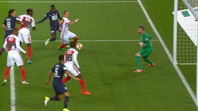 Mbae malheureux : le troisième but de PSG – Monaco