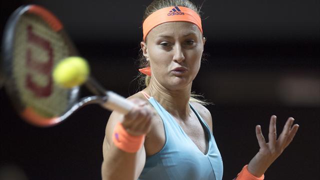 Sharapova atteint le carré d'as à Stuttgart