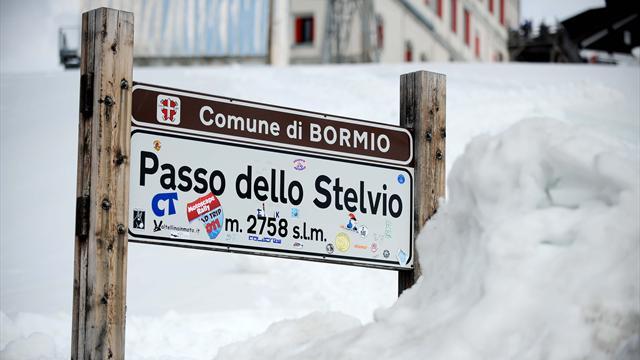 Giro d'Italia: oggi tappone alpino e Cima Coppi. Seguila LIVE