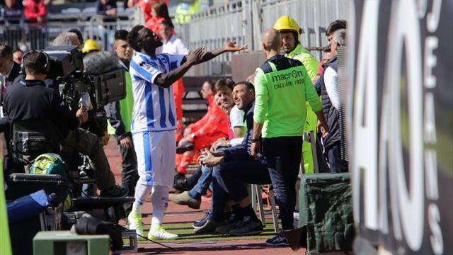 Muntari abandonó el campo tras escuchar insultos racistas en el Cagliari-Pescara