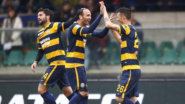 Verona cuore infinito: batte 3-2 il Vicenza in rimonta al 95' e vede la Serie A