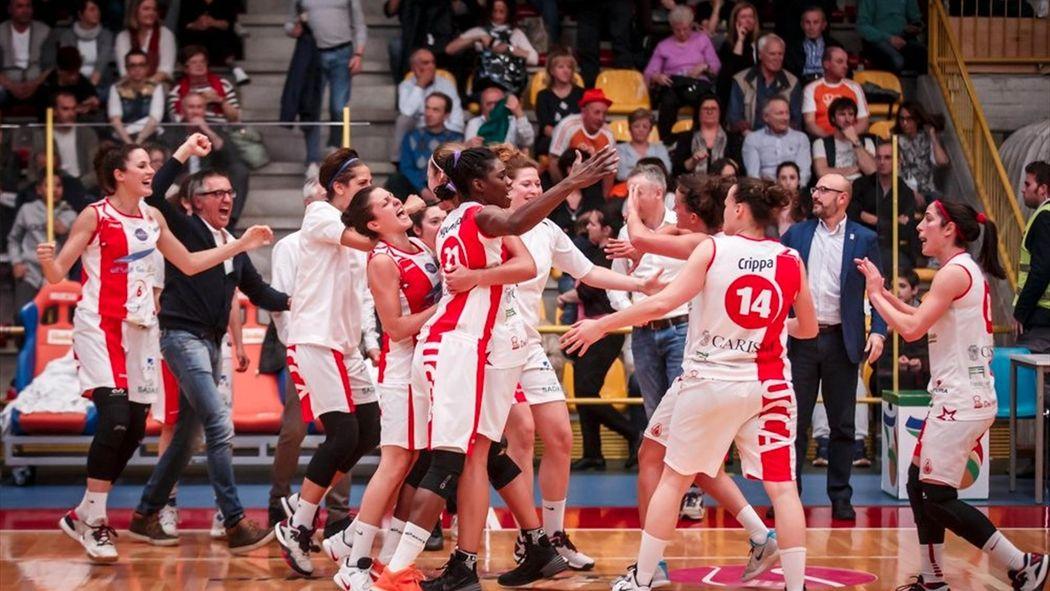La favola Lucca  la squadra a costo (quasi) zero che sogna lo scudetto e i  caffè il sabato mattina - Basket - Eurosport 9e5ed2c9c073
