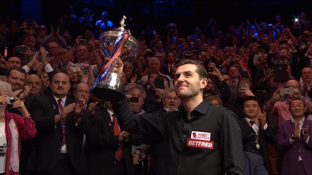 Selby si gode il trofeo, per lui 1,3 milioni di sterline in due anni