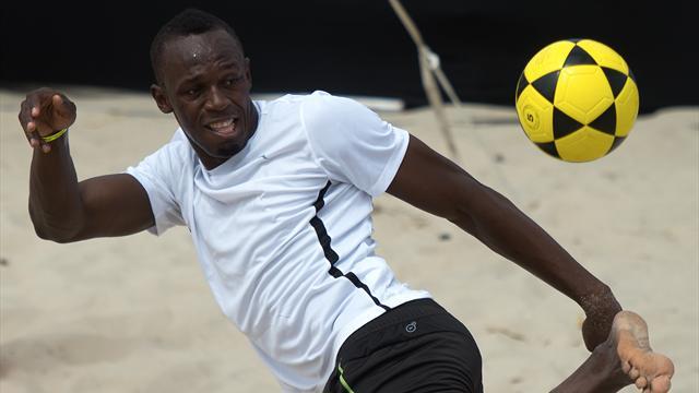 """Bolt revendique à nouveau ses envies de football : """"C'est le moment, j'ai besoin de le faire"""""""