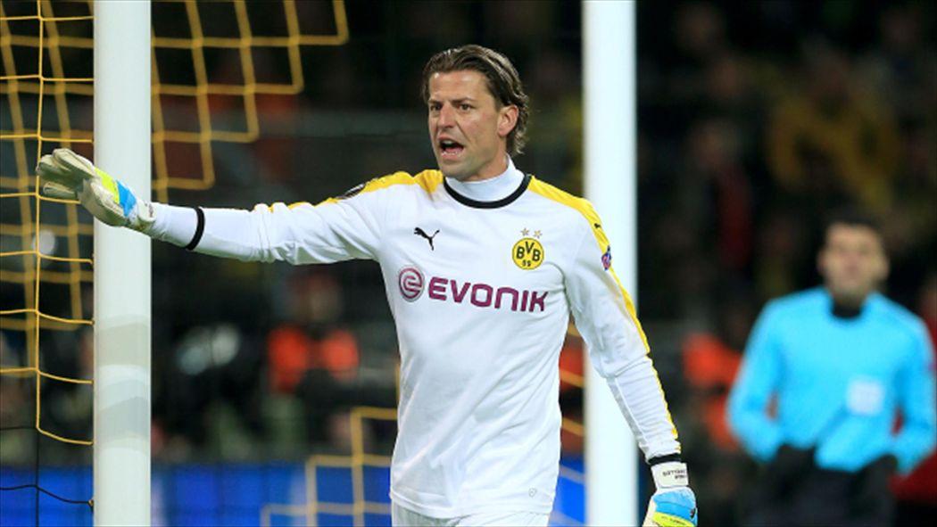 c5ea9bb74 Borussia Dortmund extend contract of veteran goalkeeper Roman Weidenfeller