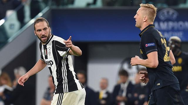 Champions League, Juventus troppo forte per il Monaco, Doppio Higuain, finale ipotecata