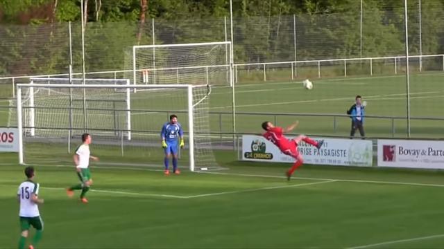 ВШвейцарии футболист забил гол всобственные ворота впадении через себя