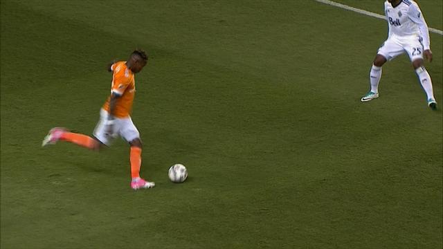 Grâce à un penalty généreusement accordé, Houston a joué un sale tour à Vancouver