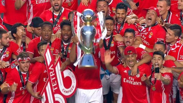 5-0 devant un public en feu : Benfica a mis le paquet pour fêter son 4e titre de suite