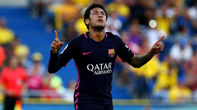 Neymar hits hat-trick as Barca force chase for La Liga into final week