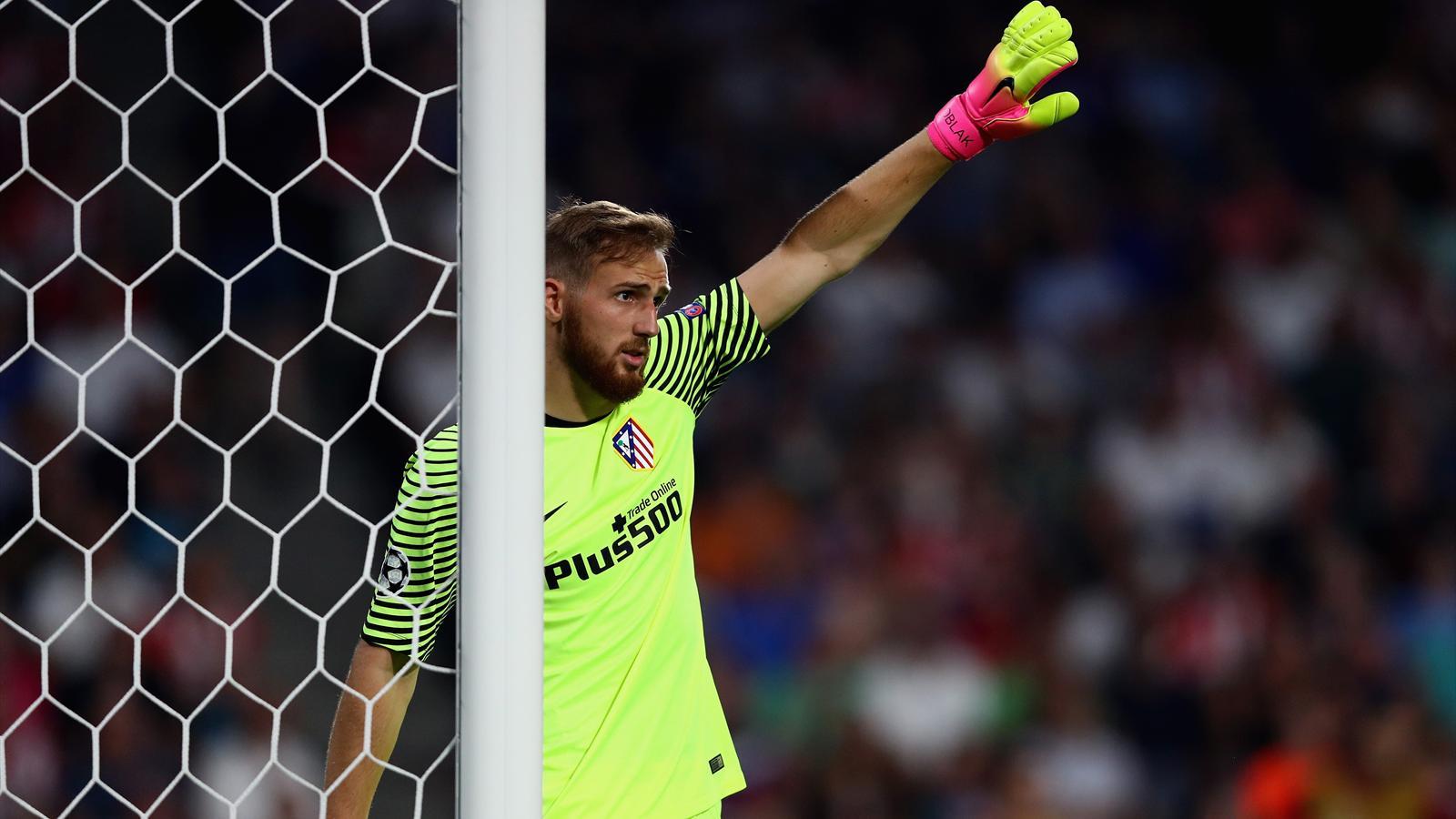 Облак впервые пропустил три гола как голкипер Атлетико