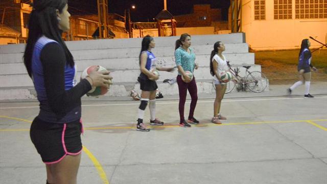 Transexuales colombianos buscan luz verde para jugar en un club femenino