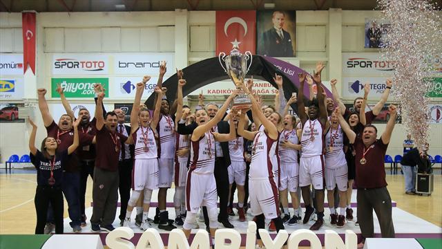 Şampiyon Yakın Doğu Üniversitesi