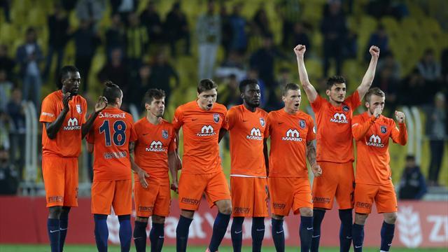 Fenerbahçeyi seri penaltılarla eleyen Medipol Başakşehir finalde