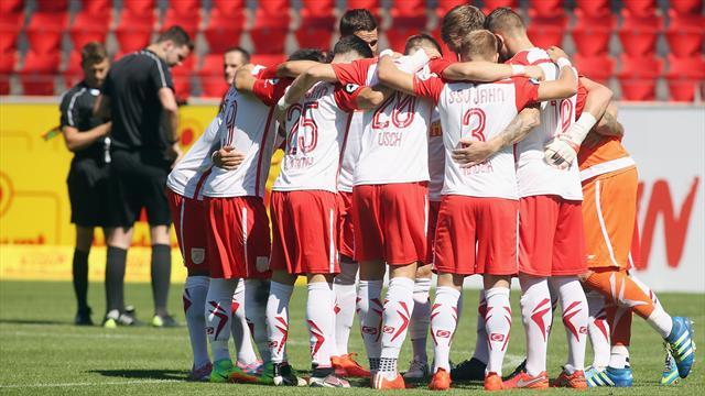 Geipel sichert Regensburg die Relegation - Paderborn steigt erneut ab