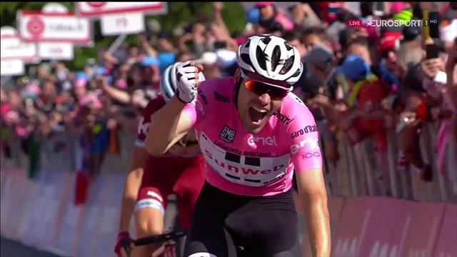 Дюмулен выиграл 14-й этап «Джиро», Закарин финишировал вторым